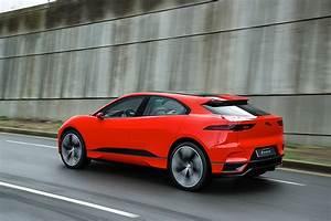 Jaguar I Pace : 2019 jaguar i pace price revealed as the electric crossover 39 s launch gets closer autoevolution ~ Medecine-chirurgie-esthetiques.com Avis de Voitures