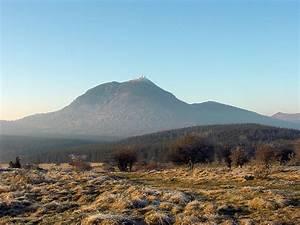 Puy De Dome : massif central wikipedia ~ Medecine-chirurgie-esthetiques.com Avis de Voitures
