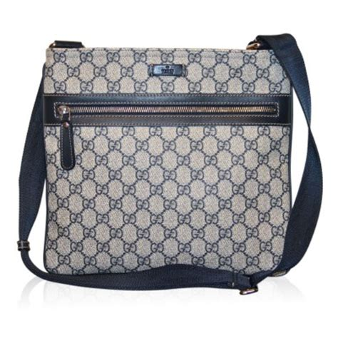 gucci gg supreme monogram canvas flat messenger bag