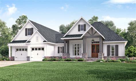 craftsman farmhouse plans craftsman style house plan 3 beds 2 00 baths 2073 sq ft plan 430 157