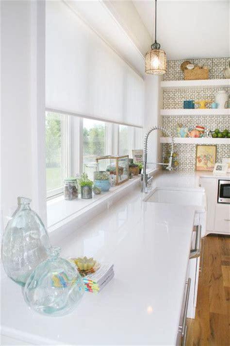 lavello sotto finestra arredare le cucine moderne con finestra panoramica