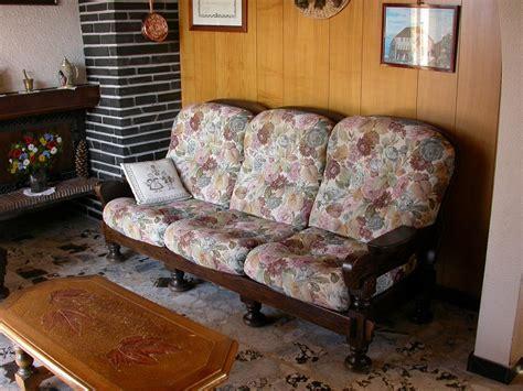 canapé en bois photos canapé en bois et tissus