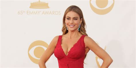 sofia vergara facebook sofia vergara emmys 2013 modern family star reveals how