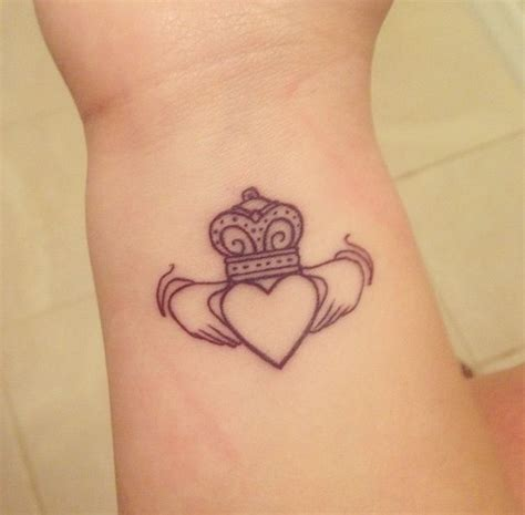 Best 25 Claddagh Ring Tattoo Ideas On Pinterest Irish Claddagh