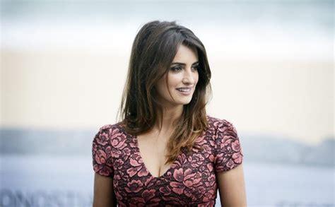 Most Beautiful Women Over 40  Top 20 Hottest Older Women