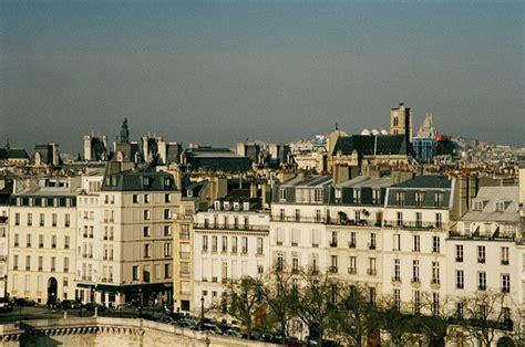 d 233 couvrir l architecture du centre pompidou un monument