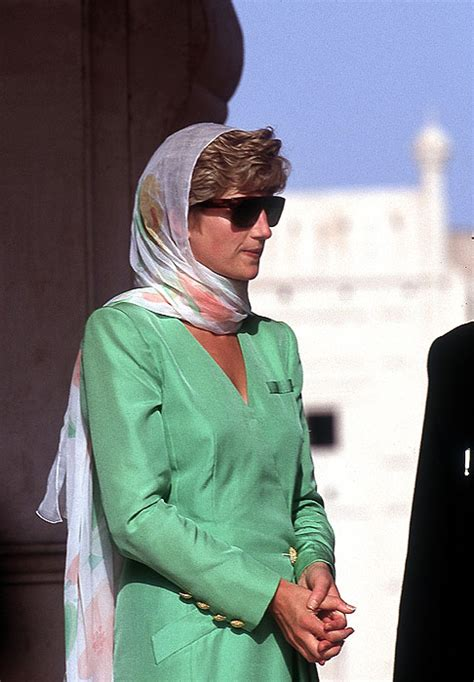 diana princess catherine walker scarf dresses wearing wales head lahore designer mosque dies royal lady gettyimages during 1991 favorite covering