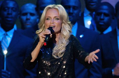 Please fill this form, we will try to respond as soon as possible. Kristin Chenoweth Declares 'I Want Somebody' in Cheesy New Music Video