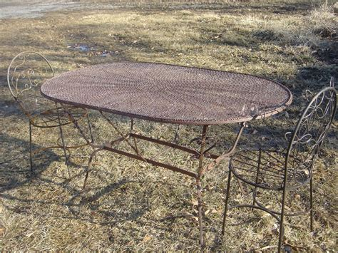 wrought iron patio oval table