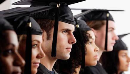lavoro per laureati in lettere italia fra i peggiori in europa per numero laureati il