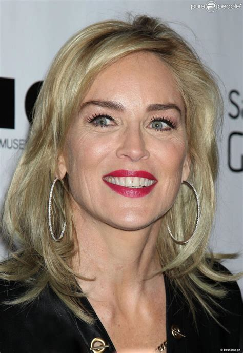 sharon stone doblaje wiki fandom powered  wikia