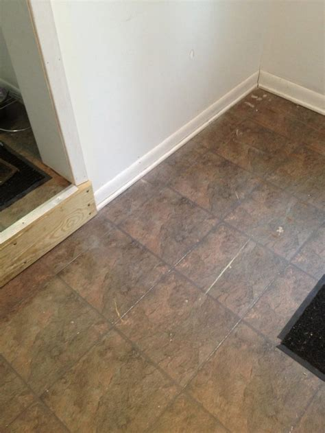 ideas   install  adhesive vinyl floor tiles