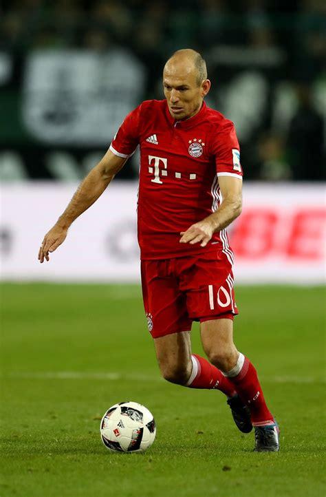 Ce match se déroule le 8 janvier 2021 et débute à 20:30. Arjen Robben - Arjen Robben Photos - Borussia ...