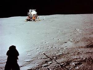 First Man On The Moon 1969, Landing On The Moon, astronau ...