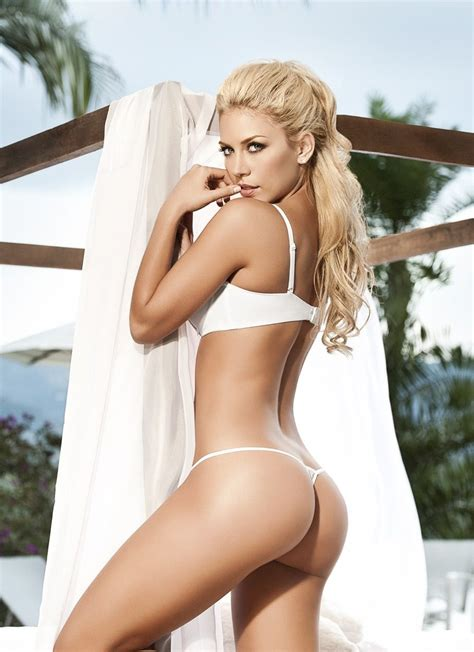 LINA POSADA IS IN THE 1% OF HOTNESS – Top Models