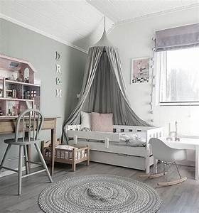 Kleinkind Zimmer Mädchen : muted gray design in this modern toddler room dreamy ~ Michelbontemps.com Haus und Dekorationen