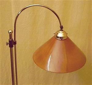 Stehlampe Mit Glasschirm : berliner stehleuchte ~ Markanthonyermac.com Haus und Dekorationen