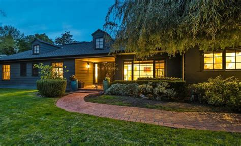 grey s anatomy actress kate grey s anatomy actress kate walsh switches from rental