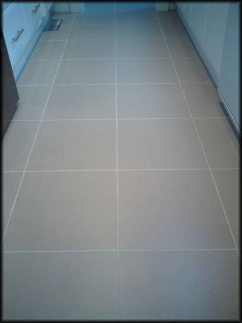 Regrout Floor Tiles Bathroom by How To Regrout Bathroom Tile Floor Wood Floors