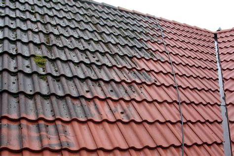 kosten renovatie dakpan dakpannen reinigen en ontmossen kosten werkwijze
