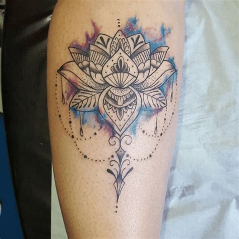 tatouage lotus mandala avant bras