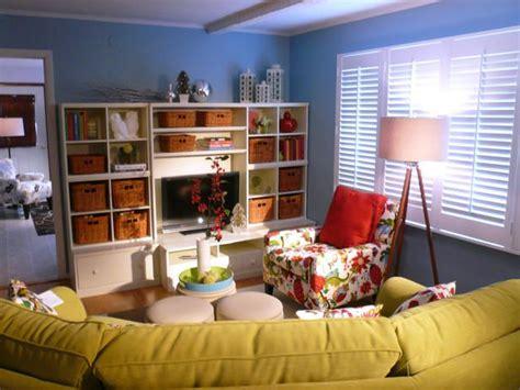 great idea  kid friendly living room  love