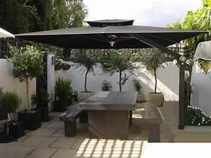 Grand Parasol Déporté : parasol chauffant profitez de la terrasse toute l 39 ann e pinterest grand ~ Teatrodelosmanantiales.com Idées de Décoration