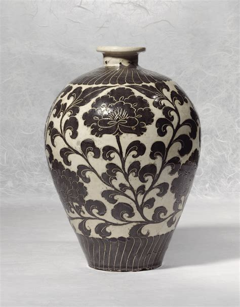 Vase S by A Cizhou Sgraffiato Vase Meiping Northern