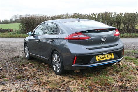 Hyundai Ioniq Hybrid Premium Se Review 2017 Is The