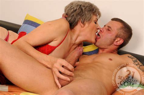 Babe Today Lusty Grandmas Aliz Natural Granny Fuckbook