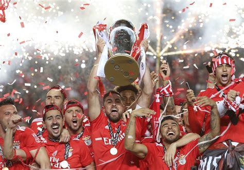 Benfica wins 5th Portuguese league title in 6 seasons
