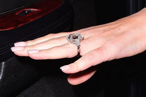 mariah carey flashes  diamond engagement ring