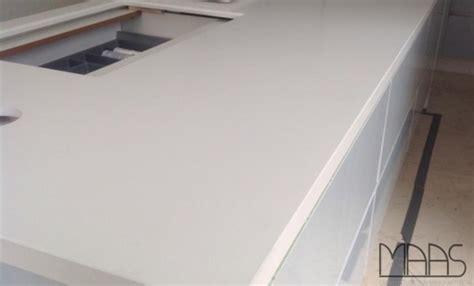 Frankfurt Caesarstone Arbeitsplatte Perfect White
