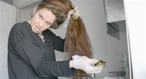 Giving Zero Waste Hair Dye A Shot With Lush Henna Marnie