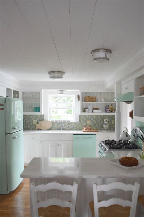 beach house retro kitchen eclectic cottage farmhouse beach house kitchens beach