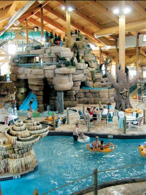wilderness resort wisconsin dells water wi waterpark park indoor fun hotels parks cool pool kalahari tennessee winter travel usa vacation