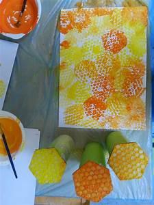 Basteln Mit Kleiderbügeln : bienchen summ herum aus kleiderb geln werden bienenfl gel aus grossen styroporplatten ein ~ Frokenaadalensverden.com Haus und Dekorationen