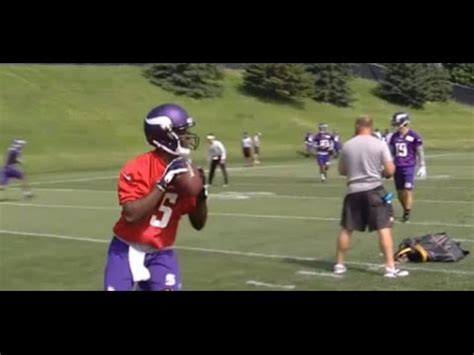 teddy bridgewater leg snapped knee  flailing