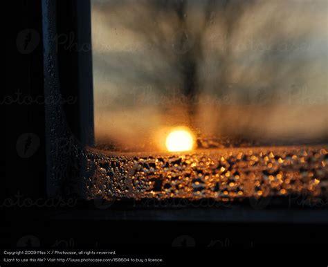 Wasser An Den Fenstern by Wasser Am Fenster Fr H Am Morgen Wasser Am Fenster Und