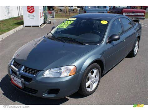 2005 Dodge Stratus Photos, Informations, Articles