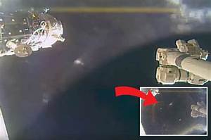 'Alien mothership' floats past NASA's ISS as huge shadow ...