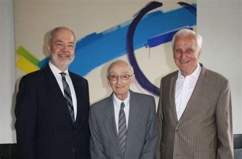Unser aufrichtiges mitgefühl gilt seiner familie und seinen freunden. Landrat a.D. Gerhard Müller gestorben: »Kraft zu ...