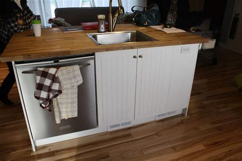 small kitchen island with sink and dishwasher 25 best ideas about kitchen island sink on 9768