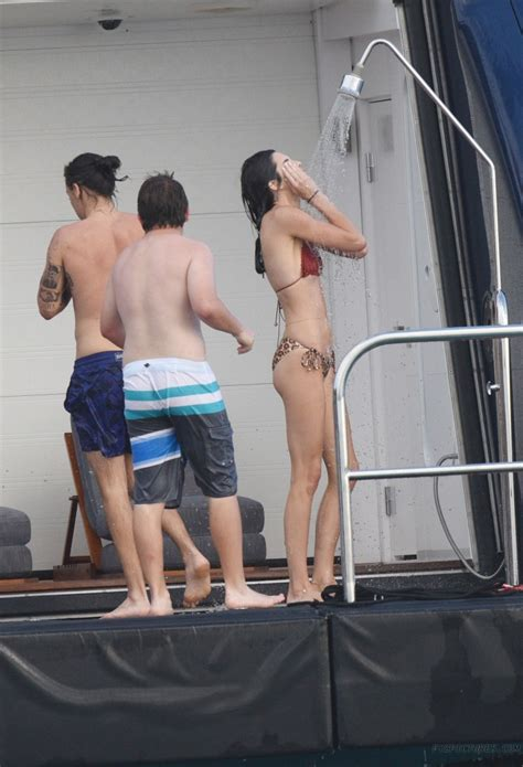 kendall jenner  harry styles leaked vacation