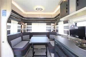 Salon Camping Car Paris 2016 : caravane hobby de luxe edition 460 ufe le monde du plein air ~ Medecine-chirurgie-esthetiques.com Avis de Voitures