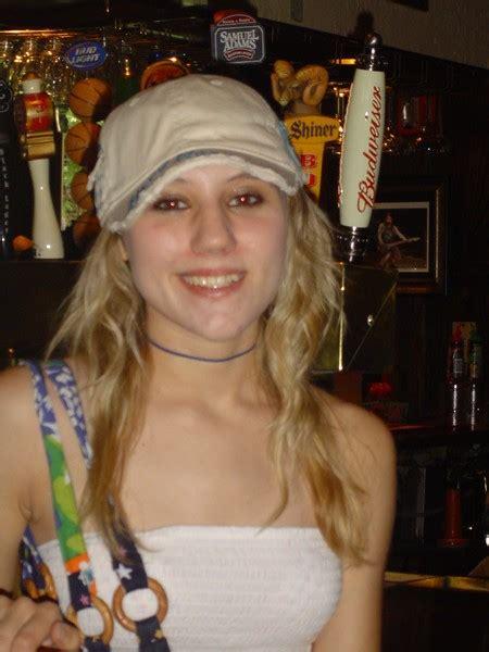 Sara Beth - Musician in Many LA - BandMix.com