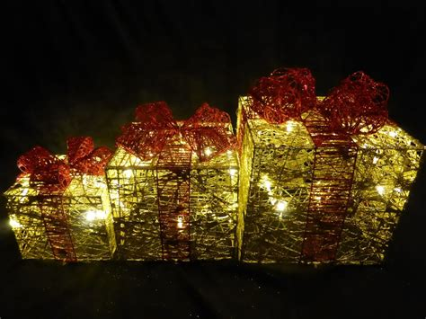 light up glitter gold and red indoor outdoor christmas parcel lights decoration battery uk