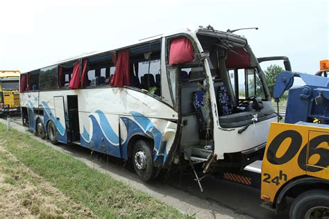 Malaysian dies in bus crash on way from Genting Highlands ...