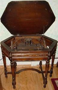 Atwater Kent Model 55c Radio In Kiel Table 1929