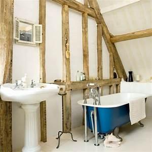 Freistehende Badewanne An Der Wand : die wohnung im landhausstil einrichten 30 super ideen ~ Bigdaddyawards.com Haus und Dekorationen